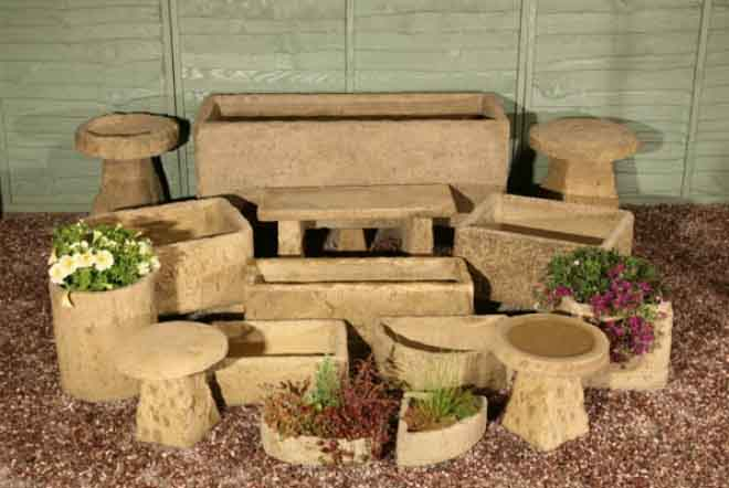 Lonstone Large Planters and Troughs - <p>